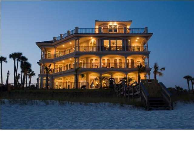 Villa Capitano Offers Luxury On The Gulf Of Mexico