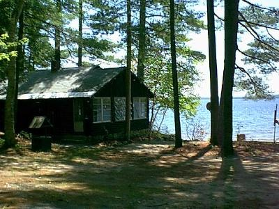 and lake cabin shore days cabins rentals homeaway the of enjoy at beautiful charming bedro oct on rental vacation sebago sept